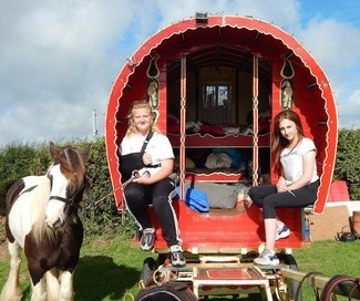 Travelling in Hope raises over £3,000 for children