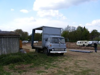 lorry and caravans on unauthorised site