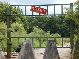 oak tree field traveller site wiltshire salisbury transit site closed