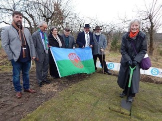 Baroness Whitaker 'cuts the turf' for the new Gypsy Council/Co-operative community centre ©TT