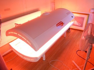 A sun bed suite run entirely by solar power! (c) Mike Doherty/TT
