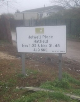 New sign at Holwell Lane